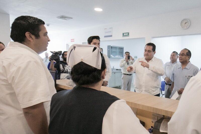 GOBIERNO ESTATAL INCREMENTÓ SUELDO DE MÉDICOS Y ENFERMEROS QUE LABORAN POR CONTRATO